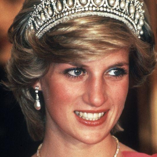 Royale Hellseherin sicher! ER wird der nächste König (Foto)