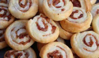 Wegen Kunststoffteilen werden aktuell Salami-Pizzaschnecken zurückgerufen. (Foto)