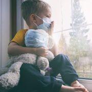 Sind Kinder nicht ansteckend? Infiziertes Kind mit Kontakt zu 172 Menschen (Foto)