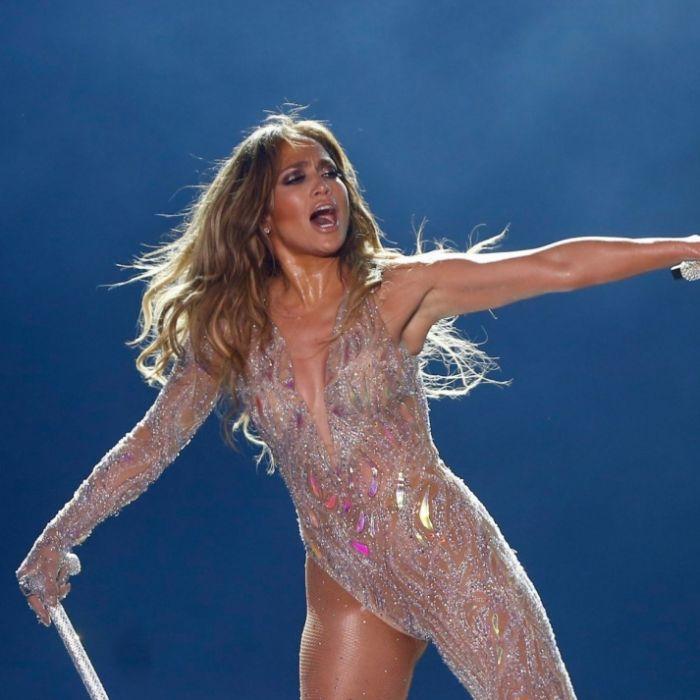 Busen-Kracher! SO heiß strahlt J.Lo im Bikini (Foto)