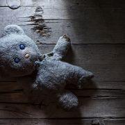 Abscheulich! Mann (21) vergewaltigt 8 Monate altes Baby (Foto)