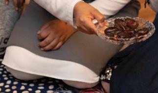 Im Fastenmonat Ramadan wird es für Muslime entgegen anderslautender Verschwörungstheorien keine Ausnahmen von den Coronamaßnahmen geben. (Foto)