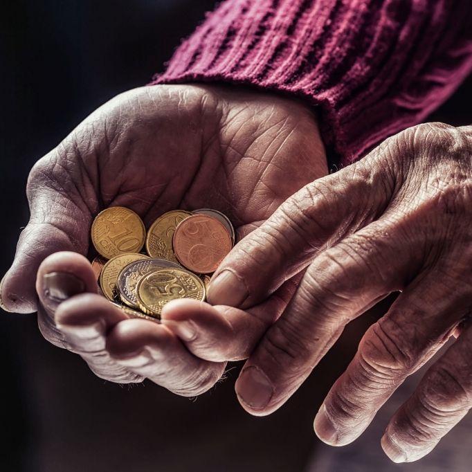 SO VIEL haben Rentner in Deutschland bald mehr auf dem Konto (Foto)