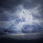 Gewitter-Warnung! Wetterdienst warnt HIER vor Starkregen (Foto)