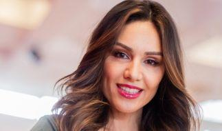 Nazan Eckes will nur ihren Make-up-Look zeigen und offenbart dabei ganz tiefe Einblicke. (Foto)