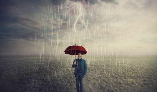 Der Wetterwechsel bringt Regen, Gewitter und Überschwemmungen nach Deutschland. (Foto)
