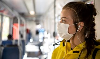 Ab der kommenden Woche MUSS in allen Bundesländern eine Mund-Nasen-Maske getragen werden. (Foto)