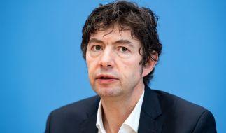 Christian Drosten, Direktor des Instituts für Virologie an der Charité Berlin, äußert sich in der Bundespressekonferenz zur Ausbreitung des Coronavirus. (Foto)