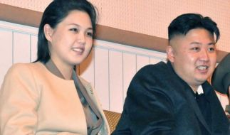 Kim Jong-un mit seiner Frau Ri Sol-ju. (Foto)