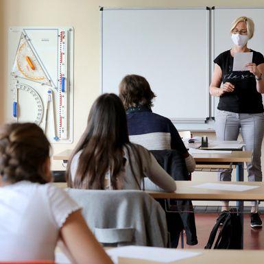 Maskenpflicht im Unterricht sorgt für Twitter-Beben (Foto)