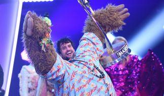 """Im Finale von """"The Masked Singer"""" fiel die letzte Maske: Schauspieler und Sänger Tom Beck verbarg sich unter dem Faultier-Kostüm. (Foto)"""