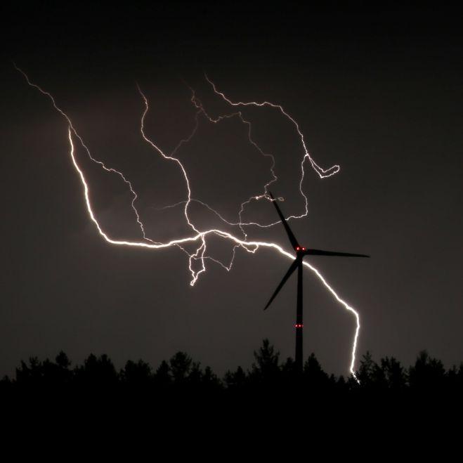 Gewitter-Tief rollt über Deutschland! HIER droht heftiger Sturm (Foto)