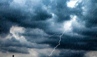 Am Wochenende droht Unwetter in Deutschland mit Gewitter, Starkregen und Überschwemmungen. (Symbolfoto) (Foto)