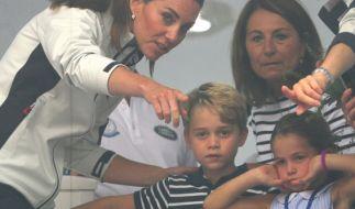 Kate Middleton (li.) hat alle Hände voll zu tun, ihre Racker Prinz George und Prinzessin Charlotte im Zaum zu halten. (Foto)