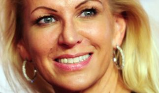 Claudia Norberg zeigt sich im Netz im Bikini. (Foto)