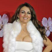 Heißer Bikini-Kracher mit 54! HIER präsentiert Liz ihre Traumkurven (Foto)
