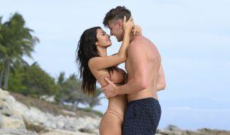 """Francesca und Freund Harry lernten sich bei """"Too Hot To Handle"""" kennen. (Foto)"""