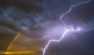 Meteorologen warnen vor Gewittern am Wochenende. (Foto)