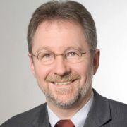 Prof. Dr. med. Randolf Brehler ist Facharzt für Dermatologie, Allergologie, Phlebologie und Umweltmedizin sowie Oberarzt an der Klinik für Hautkrankheiten, Allergologie, Berufsdermatologie und Umweltmedizin am Universitätsklinikum Münster