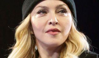 Die Nachrichten des Tages auf news.de: Madonne schockt mit bizarrem Foto. (Foto)