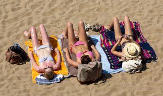 Die Bundesregierung will die Reisewarnung für 31 Länder aufheben. (Foto)
