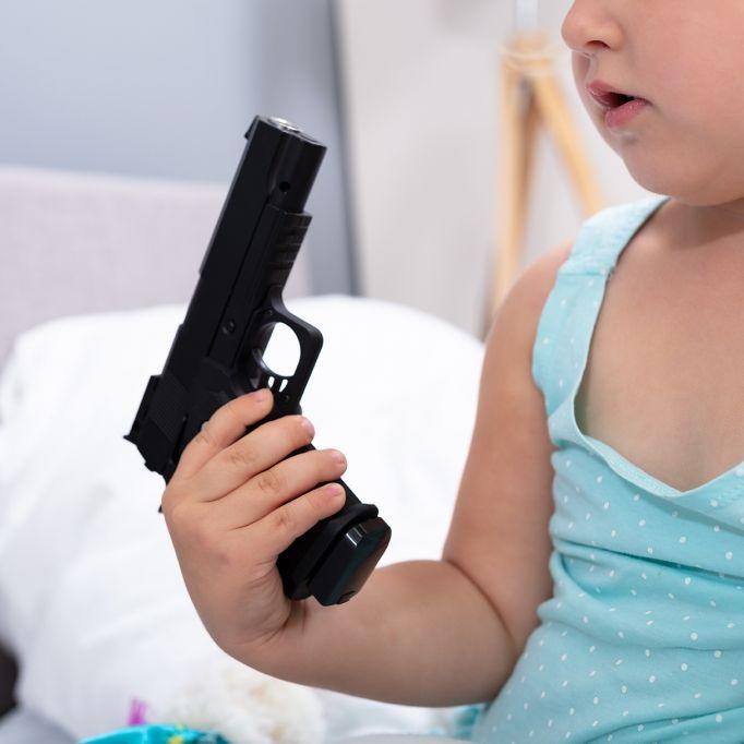 Junge (10) erschießt Kleinkind (4) beim Spielen (Foto)
