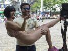 Nacktkünstlerin Milo Moiré versext das Netz mit einem Nacktkalender. Auf Instagram postet die Performance-Artistin ein Making-of. (Foto)
