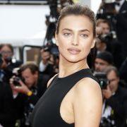 """Für die """"Vogue"""" lässt das Supermodel die Hüllen fallen (Foto)"""