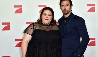 """Die """"This Is Us""""-Stars Milo Ventimiglia und Chrissy Metz trauern um Drehbuchautorin Jas Waters. (Foto)"""