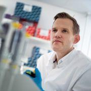 Kein Impfstoff möglich? Virologe Streeck schockt mit DIESER Aussage (Foto)