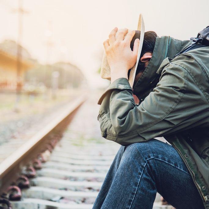 Millionen-Betrug! Mann lässt sich von Zug Hand abtrennen (Foto)