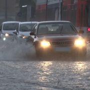 Anhaltender Starkregen! Hier gilt weiterhin Unwetter-Gefahr (Foto)