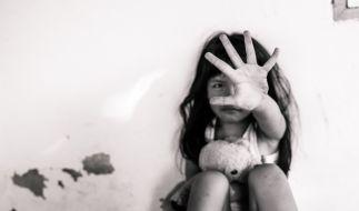 Ein Bekannter von Christian B. hat ein achtjähriges Mädchen auf dem Dachboden vergewaltigt. (Symbolbild) (Foto)