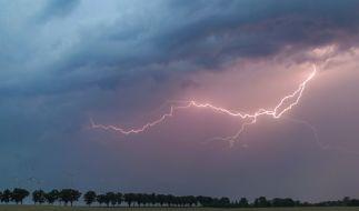 An den kommenden Tagen verhageln Gewitter die erste Hitzewelle des Jahres. (Foto)