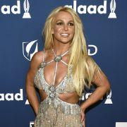 Nippel-Alarm! Pop-Prinzessin schockt Fans mit Peinlich-Video (Foto)