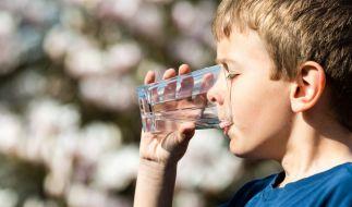 Der Junge starb, weil ihn seine Eltern zu viel Wasser trinken ließen. (Foto)