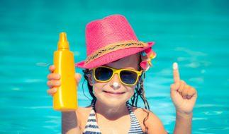 Die Stiftung Warentest hat Sonnenschutzmittel für Kinder getestet. (Foto)