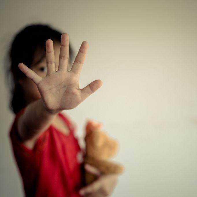 Mädchen (14) nach Gruppenvergewaltigung angezündet (Foto)