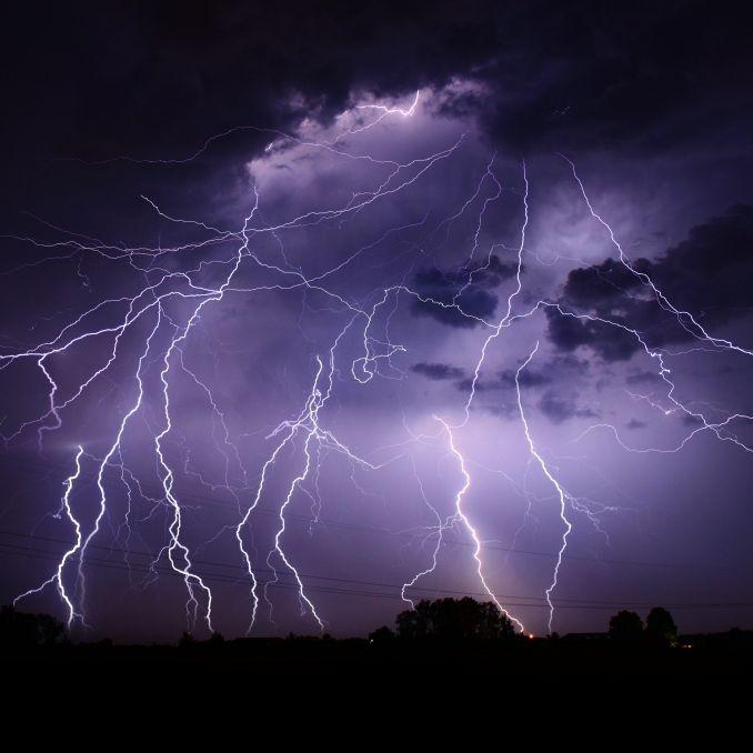 Wetterdienst warnt: HIER drohen schwere Gewitter (Foto)