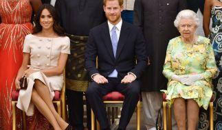 Laut Royal-Expertin Colin Campbell durfte Prinz Harry Meghan Markle nur heiraten, weil sie afroamerikanische Wurzeln hat. (Foto)