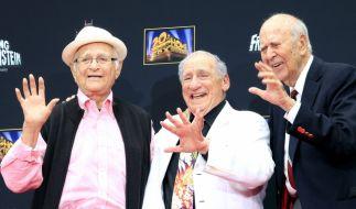 US-Regisseur und Schauspieler Carl Reiner (rechts) ist im Alter von 98 Jahren gestorben. (Foto)