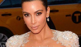 Kim Kardashian zeigt im Netz ihre Kurven. (Foto)