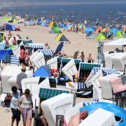 Überfüllte Strände! HIER droht die Strandschließung (Foto)