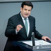 """""""Unmenschlich""""! Twitter-Nutzer ziehen über neue Rente her (Foto)"""