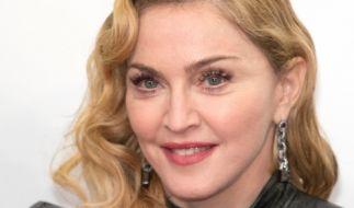Mit einem Oben-ohne-Foto spaltet Madonna ihre Fans. (Foto)