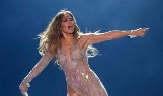 Stars wie Jennifer Lopez trainieren gerne oben ohne. (Foto)