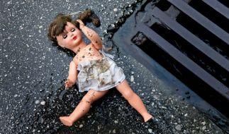 In Tokio ist eine Dreijährige von ihrer Mutter mehrere Tage lang alleine gelassen worden. (Foto)