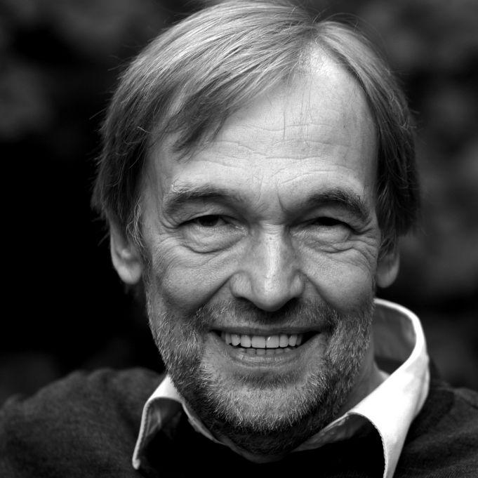 Fans trauern! Beliebter Radio-Moderator mit 72 Jahren gestorben (Foto)
