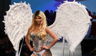 """Gemeinsam mit Cathy Lugner posierte Micaela Schäfer für den """"Playboy"""". (Foto)"""