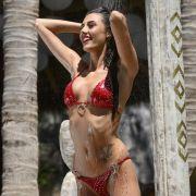 Goldene Aussichten! Mit DIESEM Bikini-Hammer bekämpft sie den Frust (Foto)